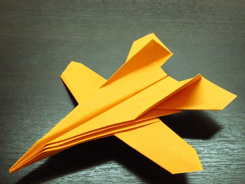 Origami avión Jet Fighter y pasos fáciles