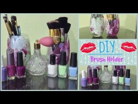 DIY: Makeup Brush Holder | Desiree Gneco