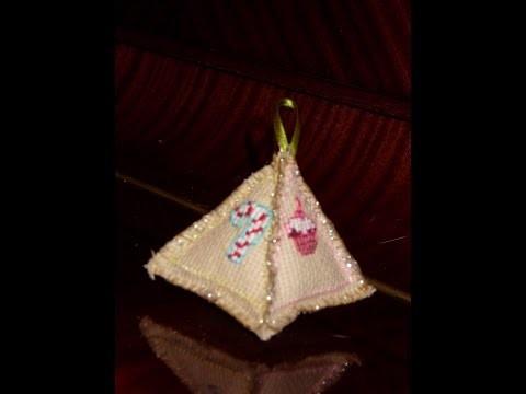 DIY Pirámide navideña en punto de cruz (adorno)