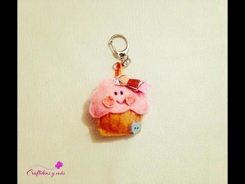DIY Llavero Kawai Cupcake fieltro (ideal para 14 de febrero.día del amor)