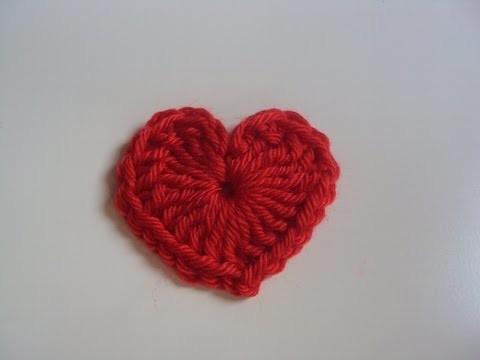 Tutorial corazón de crochet pequeño fácil y rápido paso a paso.  Trenda Lerenda