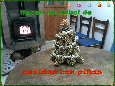 Como hacer un árbol de navidad con piñas. How to make a Christmas tree with pine cones