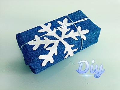 Como envolver regalos con goma eva. How to wrap gifts easy.