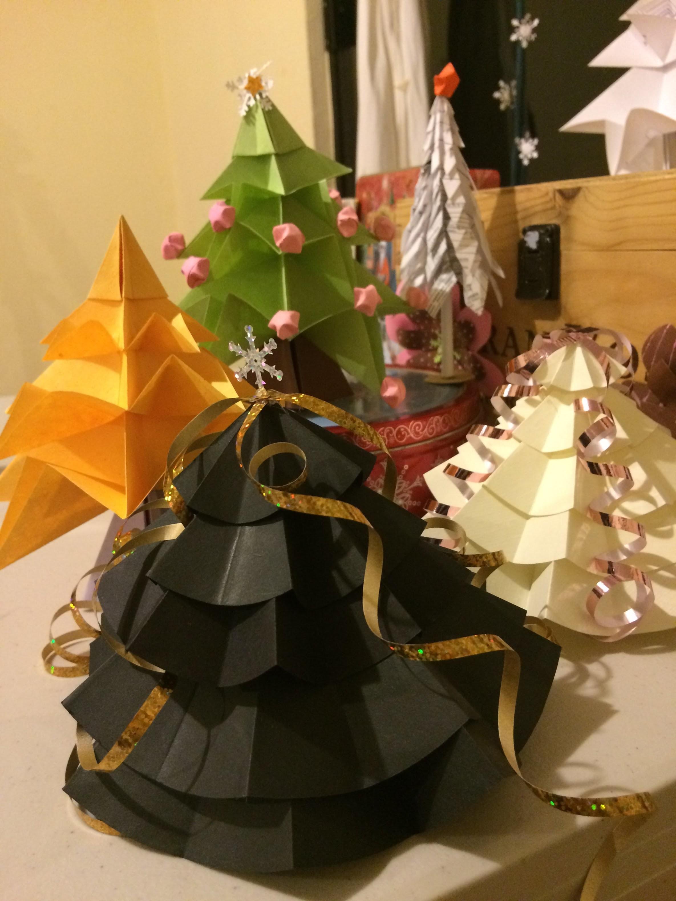 DIY. Arbolitos de Navidad de Papel