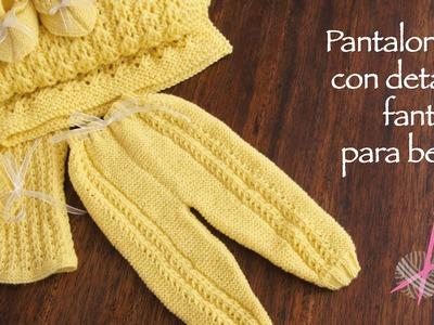 Pantaloncito tejido en dos agujas con detalles en punto fantasía para bebés