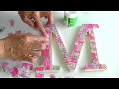 Letra de madera decorada con papel decoupage - Wooden letter decorated with decoupage paper