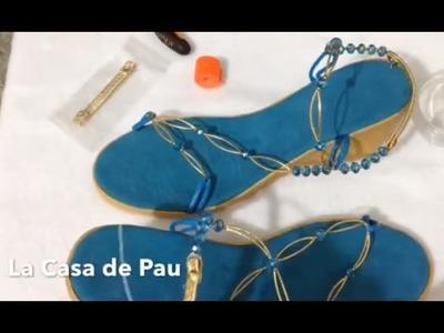 Sandalias decoradas con cristal, sino te gusta la pata de gallo esta es tu mejor opción