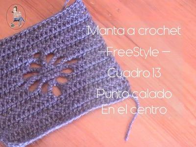 Manta a crochet Freestyle cuadro 13: punto calado en el centro (diestro)
