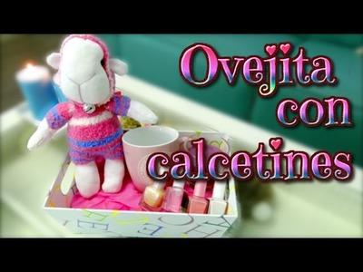 Ideas para regalar el día de la madre o día del niño: oveja de calcetines - muñecos con calcetines