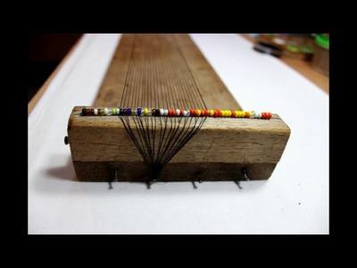 Como colocar el hilo en el telar para pulseras o collares