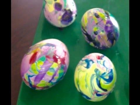 Cómo decorar huevos con esmalte