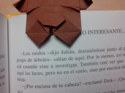 Como hacer un perro marca páginas Origami3