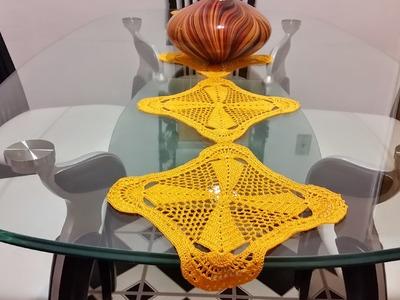 Camino de mesa.cuadros en crochet #2