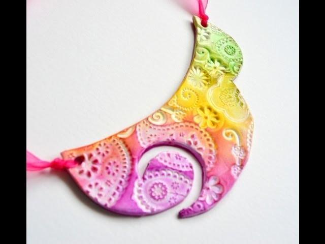 Collar babero en arcilla polimérica y tizas pastel - Polymer clay and chalk pastels bib necklace