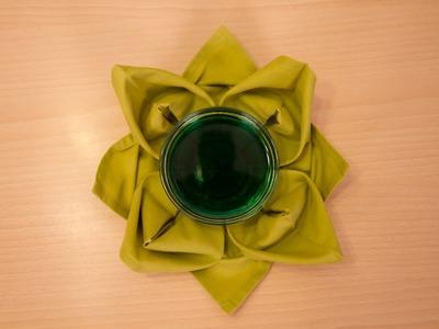 Como Doblar Servilletas con Forma de Flor de Loto