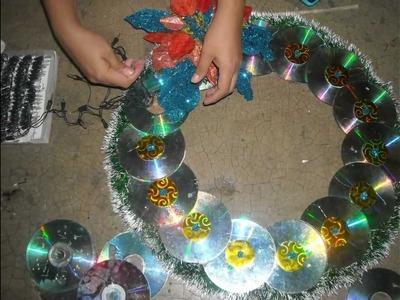 Como hacer corona navideña con cd viejos!