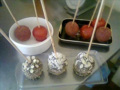 Paletas de manzanas cubiertas, tamarindo, chicloso y chocolate