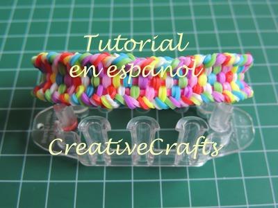 Como hacer una pulsera plana de gomitas con telar Monster Tail Rainbow Loom.