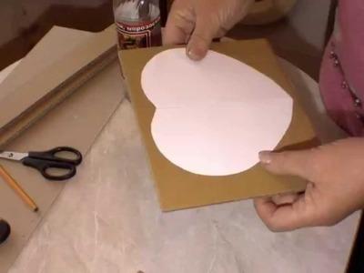 Fabricacion de una forma de carton para cesteria con periodicos.  Parte 1.