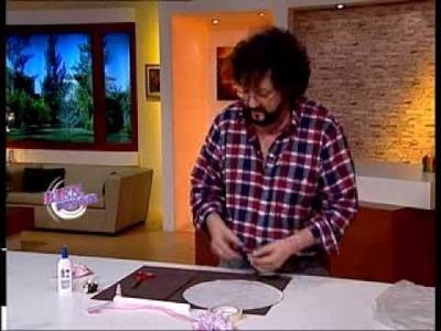 Jorge Rubicce  - Bienvenidas TV - Modela en porcelana fría un souvenir paragüita.