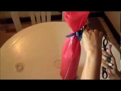 Como empacar una botella en papel seda para regalo - Wrapped in tissue paper