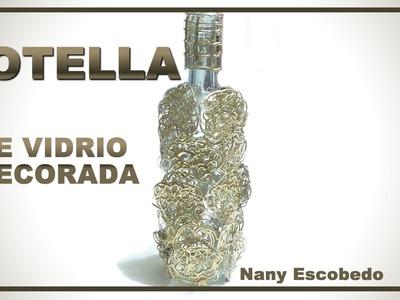 BOTELLA DE VIDRIO DECORADA. DECORATED GLASS BOTTLE