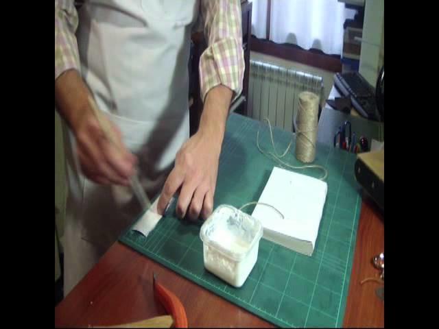 Encuadernando un libro en el taller EL TELAR de Zaragoza. Primera parte