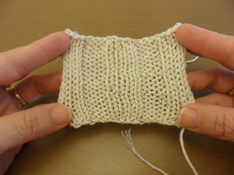 Aprende a tejer punto derecho y punto reves en dos agujas - Labores punto dos agujas ...
