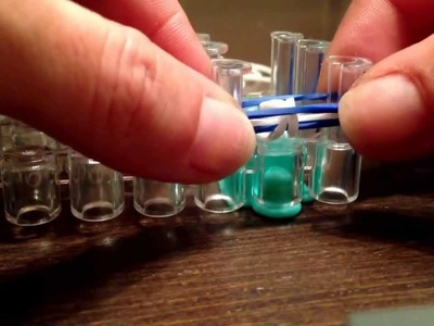 Hacer pulsera de goma fácil ( kracy looms )