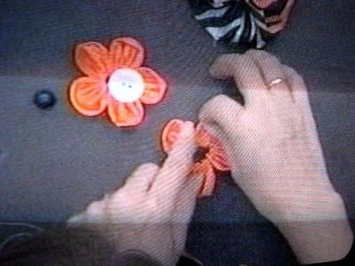 Florecita hecha por la Sra  sonia franco con tela  animal print 139