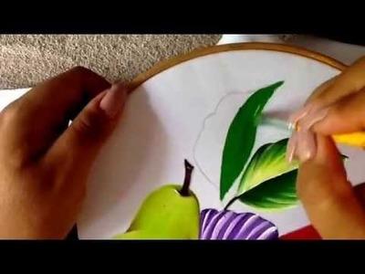 Pintura en tela flor violeta y hojas con doblez para frutero tres con cony