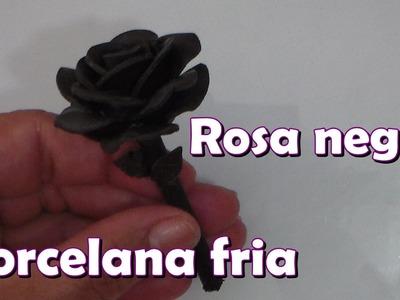 Rosa negra en porcelana fria. Black Rose in cold porcelain