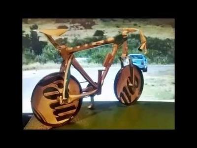 Bicicletas en latas de aluminio recicladas