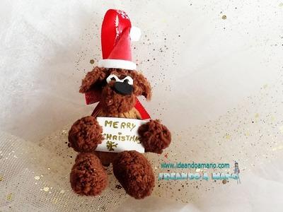 Adorno navideño reciclando cáscara de nuez
