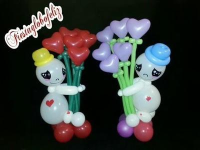 Muñeco para San Valentín  con ramo de flores de corazón  hecho con globos