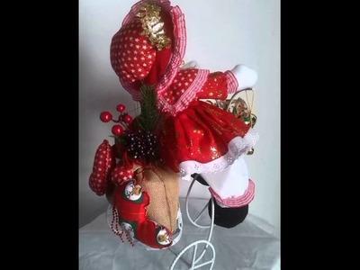 Exibicion de muñecos navideños hecho por xiomara vasquez