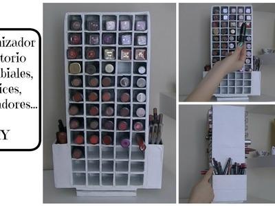 Organizador giratorio de labiales, lápices, perfiladores.  DIY - Makeup Organizer
