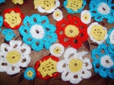 Flores tejidas en crochet caladas