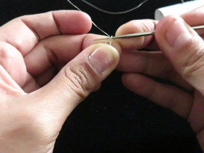 Tejiendo circulo con hilo de plata 1
