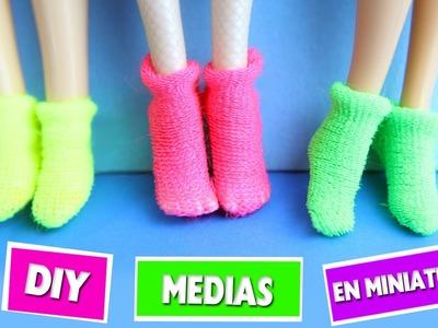 DIY | Medias para muñecas