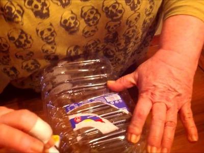 Botellas de 5 litros de agua como maceteros
