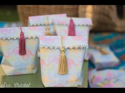Bolsas de regalo con hoja de papel