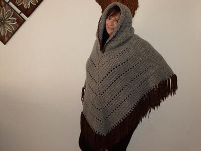 Como hacer poncho con capucha y flecos.