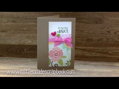 Tarjeta con papel de flores y botones