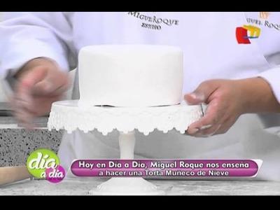Aprende los pasos para hacer una torta de muñeco de nieve