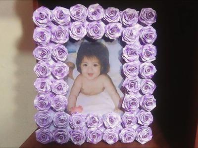 Porta foto hecho de cartón con rosas hechas de papel decorativo #CreandoconAlba