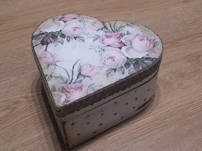 Decoupage en caja de madera