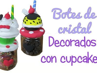 Manualidad DIY fácil: Botes de cristal decorados con cupcakes