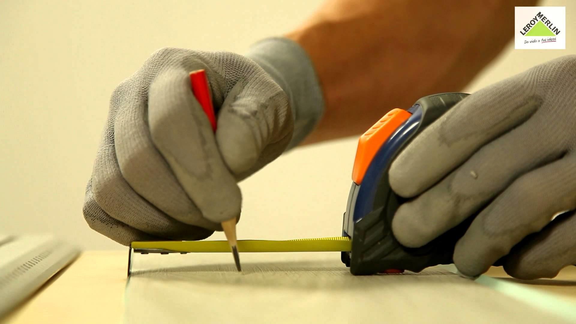Cómo instalar lamas vinílicas adhesivas (Leroy Merlin)