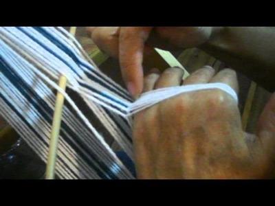 TELAR ABORIGEN -  Paso 3 Hacer tonon, y colocar paño o cordón